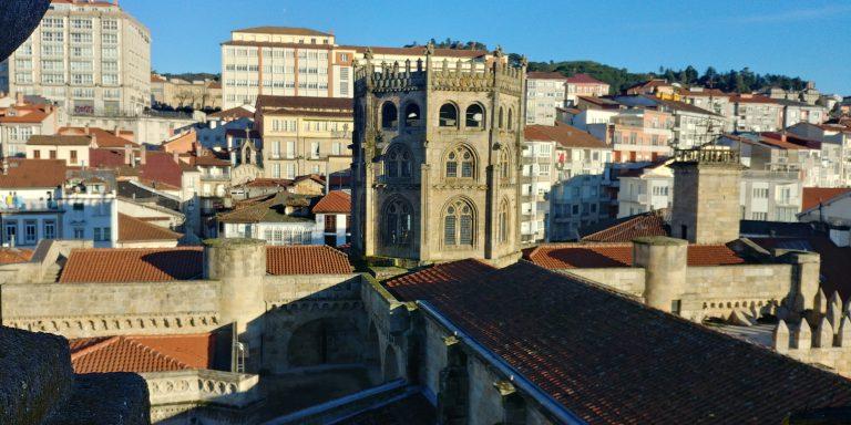 Visita exclusiva a la Torre de las Campanas, Coro Alto y Catedral de Ourense